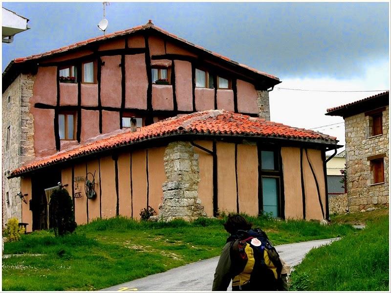 Albergue de peregrinos La Hutte, Atapuerca, Burgos, Camino de Santiago