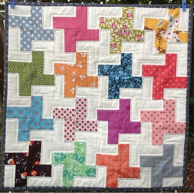 Pinwheel mini quilt from Lorraine