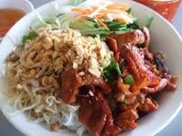 khach-san-da-nang-bun-thit-nuong