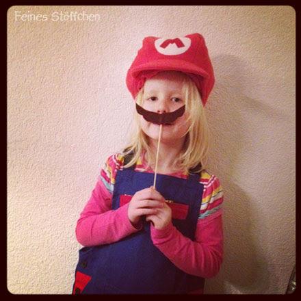 Super Mario Kostüm nähen? | Feines Stöffchen: Nähen für Kinder ...