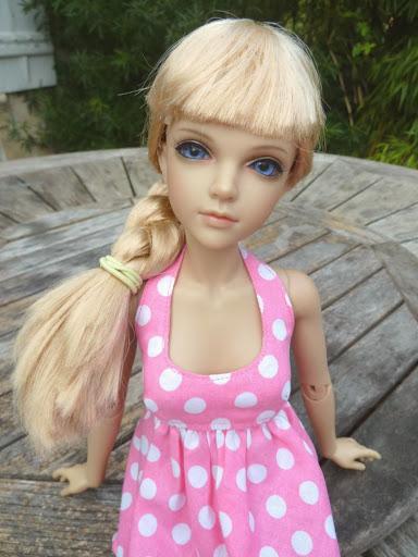 Alice (Leona JID Iplehouse) en cure de remise en forme (p 2) Essai%2520perruques31