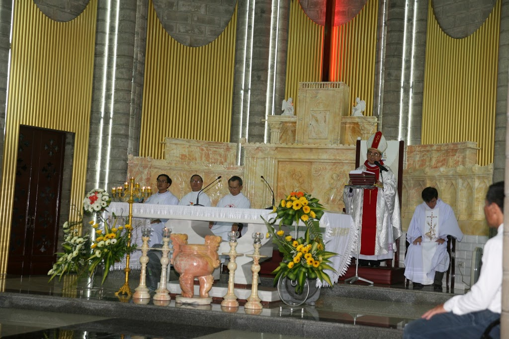 Thánh lễ Tiệc Ly tại Nhà Thờ Chánh Tòa Nha Trang