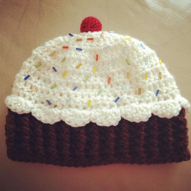 Angelas Crafts: Baby cupcake hat - Gorro de cupcake para bebé