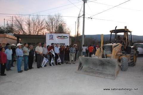 Inicio de pavimentación en calle López Rayón en colonia Enrique Lozano