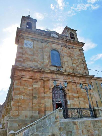 Portal der Wallfahrtskirche Madonna di Tagliavia