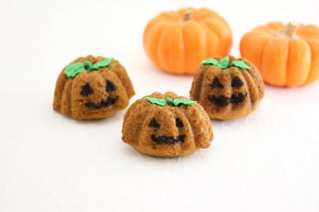 close-up photo of three Jack-o'-lantern Pumpkin Nutella Cakes