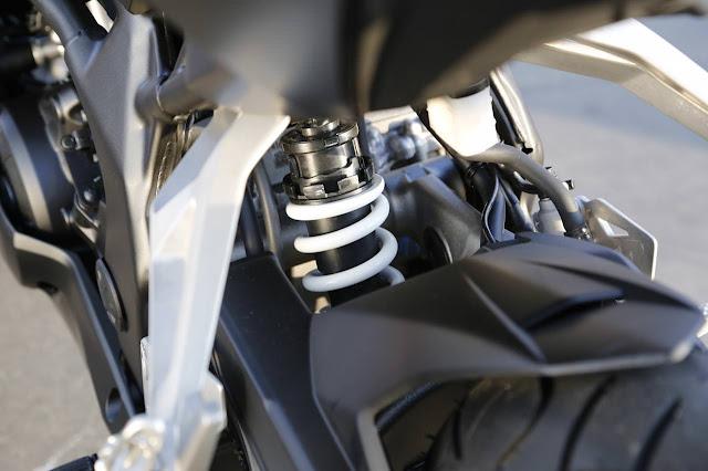 Honda CBR250RR Phuột Sau