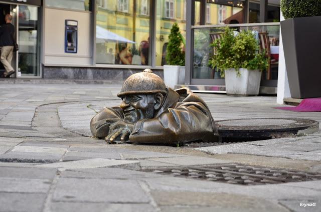 rzeźby nastarówce