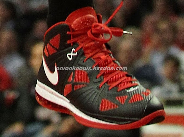 James Unveils New LEBRON 8 PS PE During CP3 AllStar Game