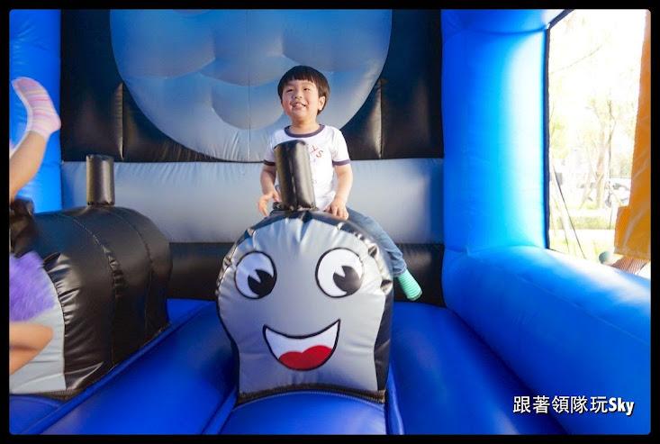 台北景點推薦-遠雄左岸牡丹園.彩虹園【湯瑪士小火車】
