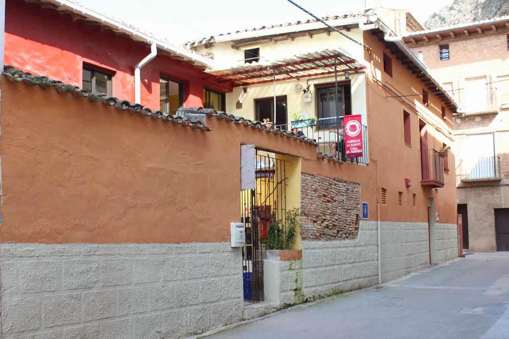 Albergue de peregrinos La Fuente - Casa de Austria, Los Arcos, Navarra :: Albergues del Camino de Santiago