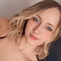 Bruna Fernandes's avatar