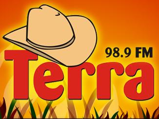 Esta imagem tem um link para a Rádio Web TERRA FM 98.9 FM - A Rádio Música de Viola Raiz online mais ouvida do Brasil