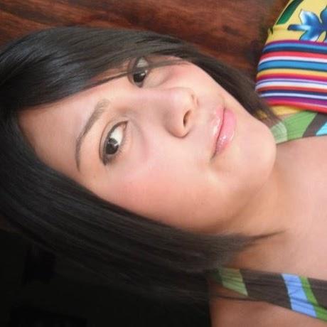 Yesenia Campos Photo 14