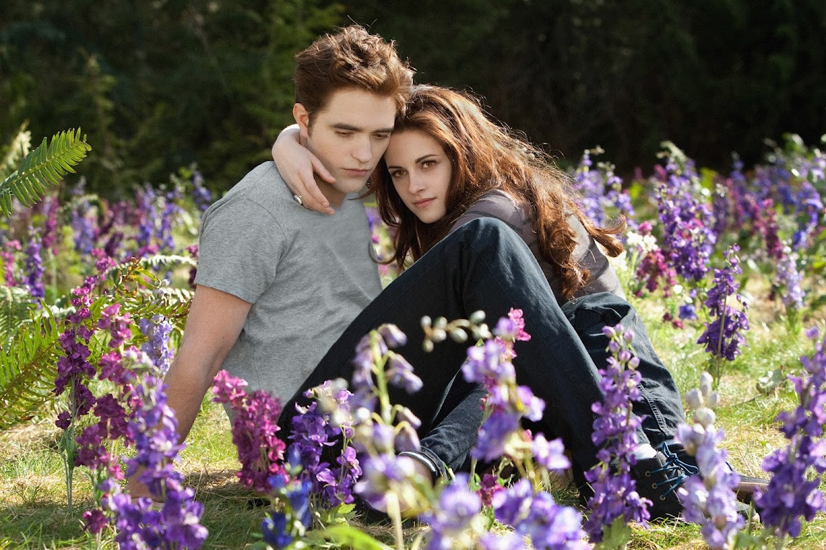Edward and Bella Cullen in Breaking Dawn part 2