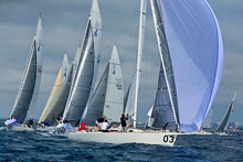 J/105 one-design sailboat- rounding marks