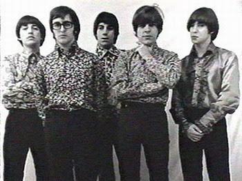 Los Gatos en 1967: De izquierda a derecha: Ciro Fogliatta (órgano), Kay Galiffi (guitarra), Oscar Moro (batería), Litto Nebbia (voz, armónica y pandereta) y Alfredo Toth (bajo).