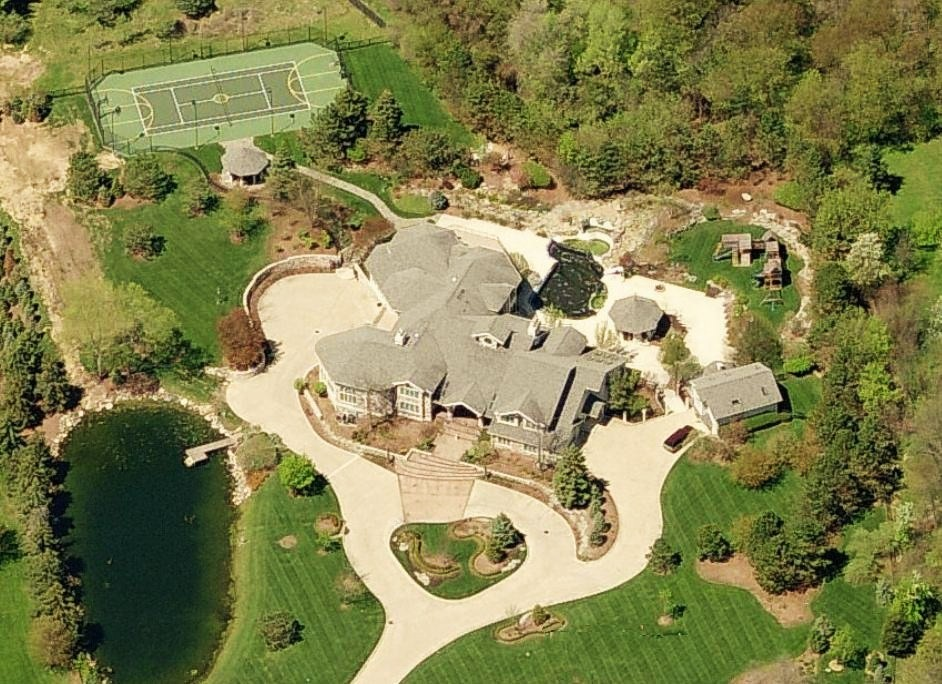 Eminem's House $3 million Rochester Hills, Michigan. Eminem's home pics. Eminem property.