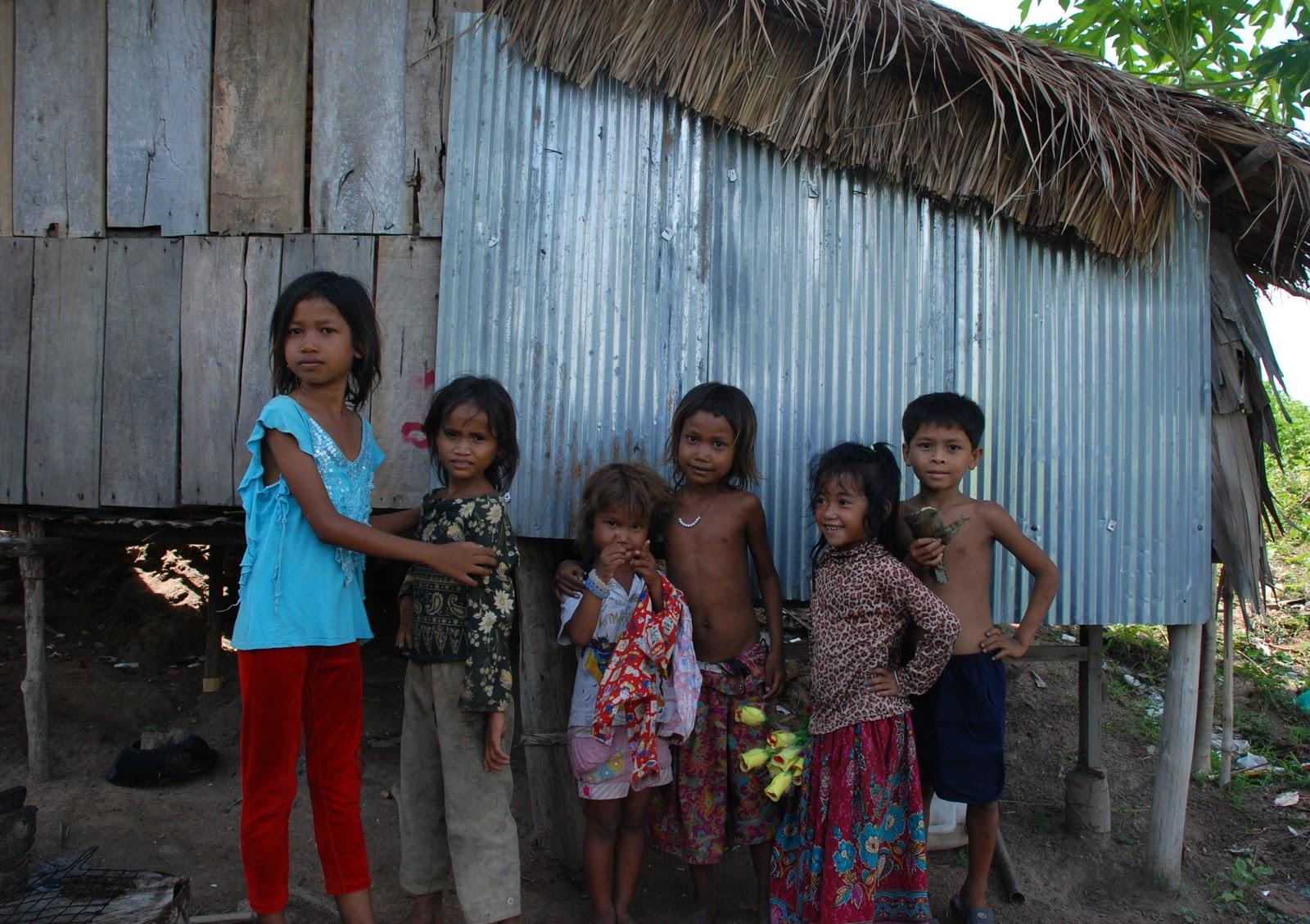 Girls Kampong Spoe