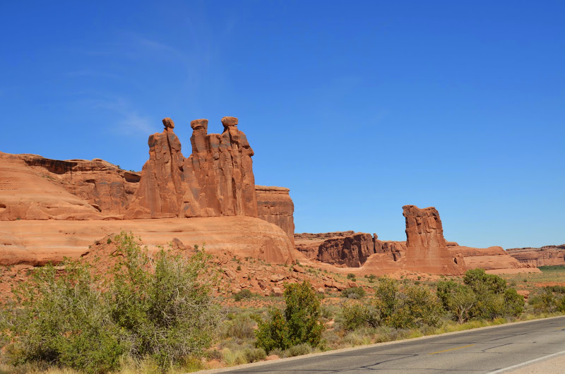 the 3 gossips arches