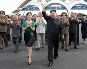美报:金正恩夫人公开亮相意义何在