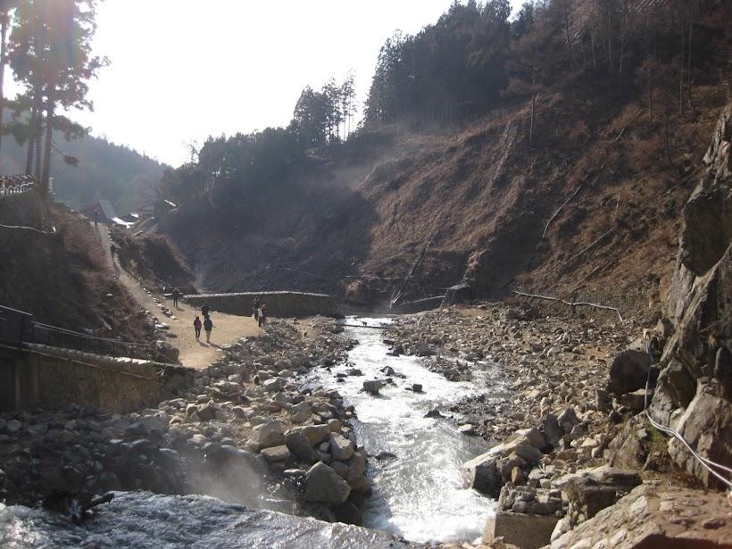 Jigokudani valley and Yokoyu river