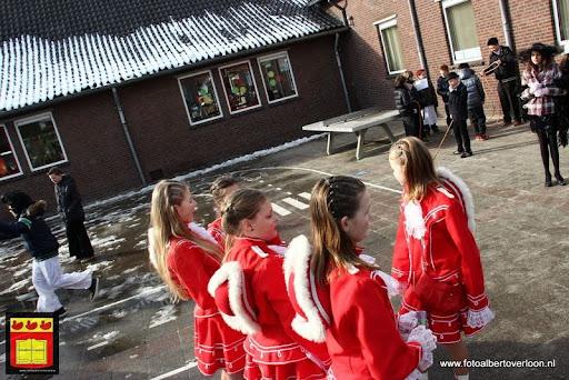 carnavalsfeest op school 08-02-2013 (6).JPG