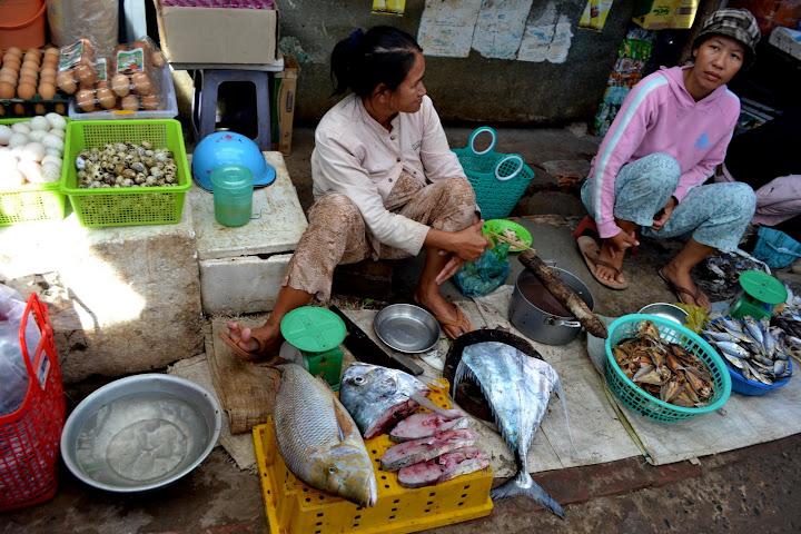 Рынок в Муйне