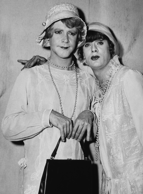 some like it hot narrative To write a narrative essay,  remember: avoid simply telling us what something looks like--tell us how it tastes, smells, sounds, or feels consider this.