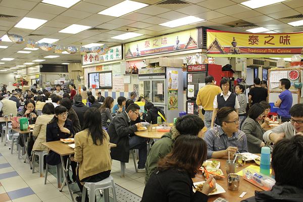 hong kong communal seating at restaurants, hong kong local restaurant, images of hong kong