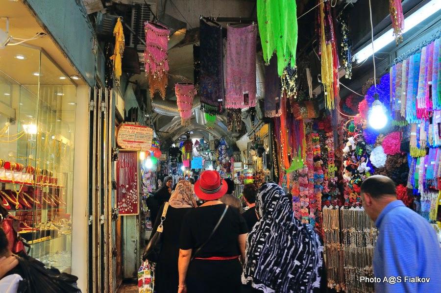 Мусульманский квартал, улица Старого города Иерусалима. Экскурсия по Иерусалиму. Гид в Израиле Светлана Фиалкова.