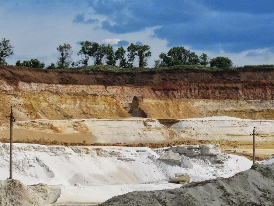 карьер по добыче кварцевого песка