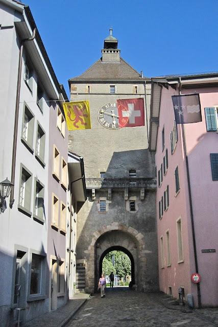 Das Stadttor im schweizerischen Laufenburg