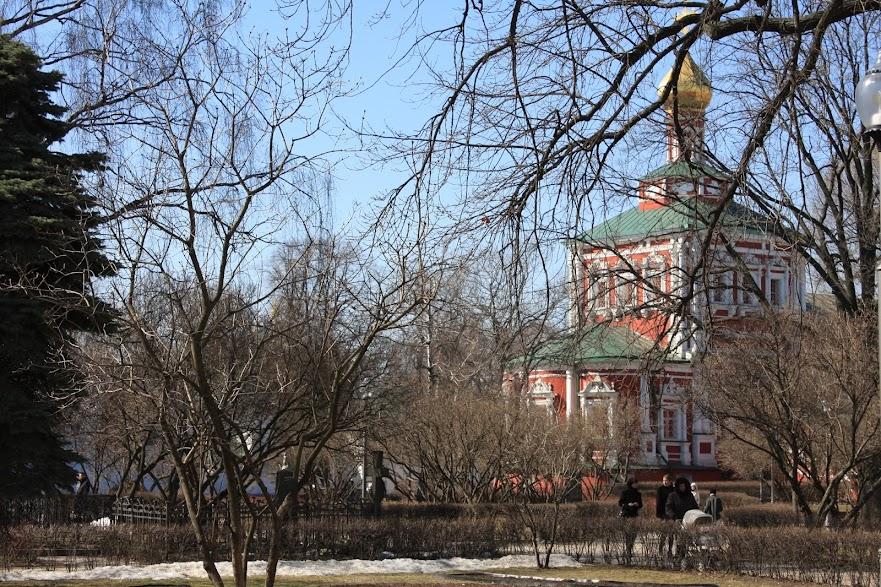 Visitar o CONVENTO DE NOVODEVICHIY e desfrutar de uns momentos de sossego em Moscovo   Rússia