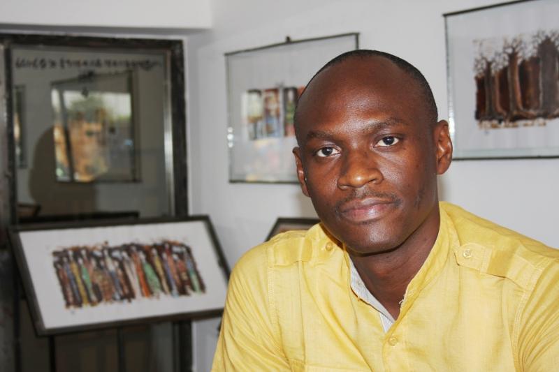 Hamed Ouattara pintor escultor diseñador interior africano