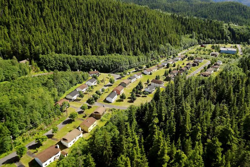 Пустующие коттеджи одного из районов канадского городка