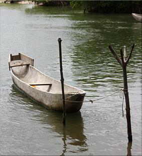 Canoa de madera de ceiba - Isla de Djilapao