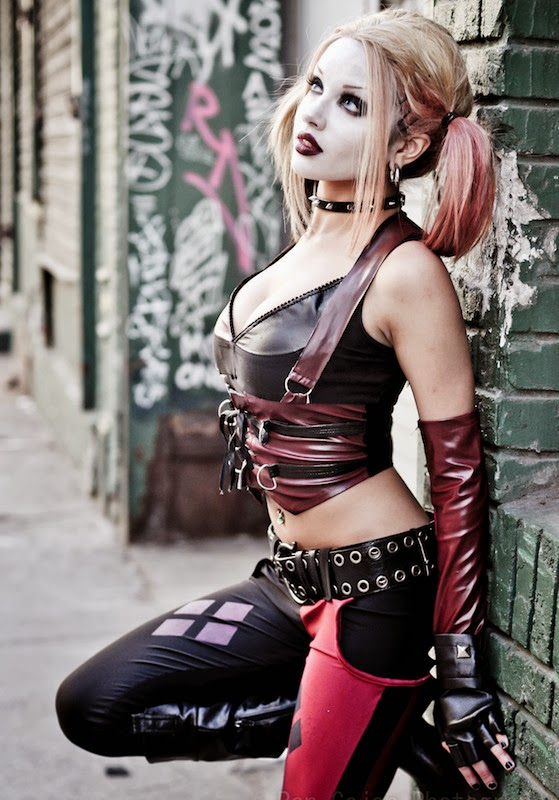 Who are the Sexiest Cosplay Girls? Harley Quinn