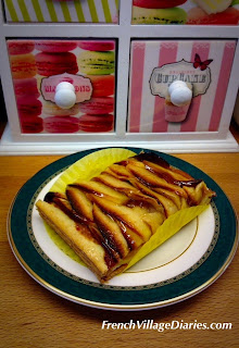 French Village Diaries patisserie challenge tartelette aux pommes boulangerie