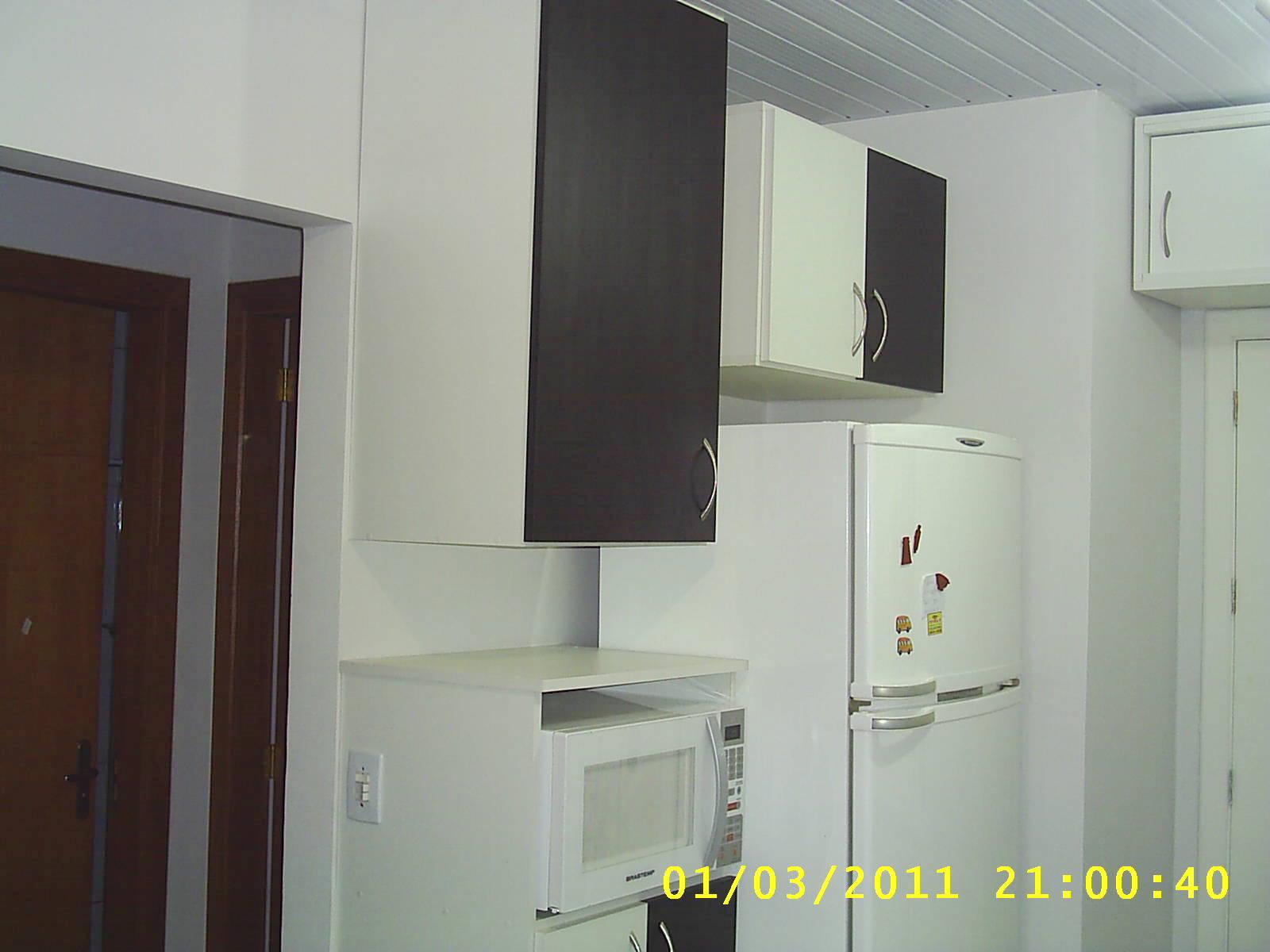 PLANEJADOS) ZONA SUL EM PORTO ALEGRE: Cozinha em MDF Branco com Preto #B8B912 1600 1200