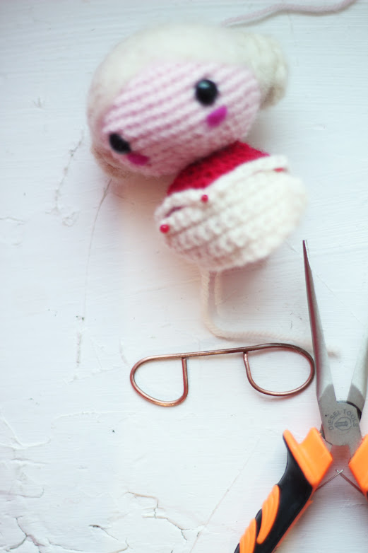 how to make amigurumi glasses with copper thread