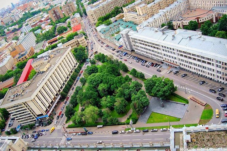 Здание на площади Красных Ворот. Москва 2