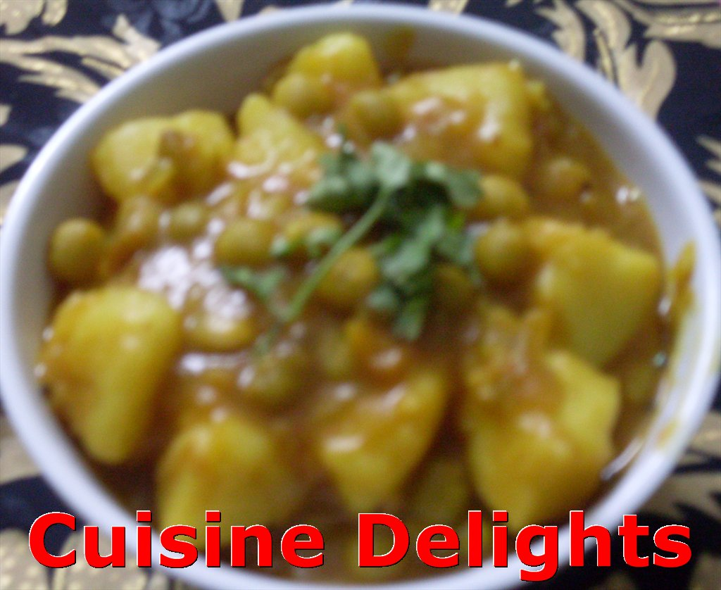 Aloo Matar (Potatoes and Green Peas Curry) ~ Cuisine delights