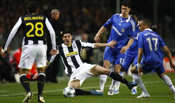 Chelsea y Juventus empatan 2-2 en un duelo de Titanes