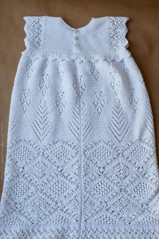 Крестильное платье выполнено