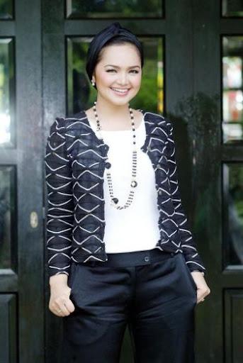 Siti pengacara 'Siti Ooo... Som'