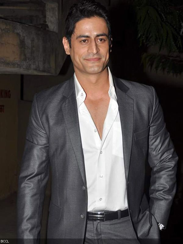 "Mohit Raina , seen as Lord Shiva in mythological TV series "" Devon Ke"