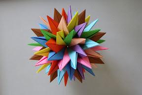 RSTUVWXYZ by Meenakshi Mukerji. Instructions: http://origami.paginas.sapo.pt/RSTUVWXYZ.htm
