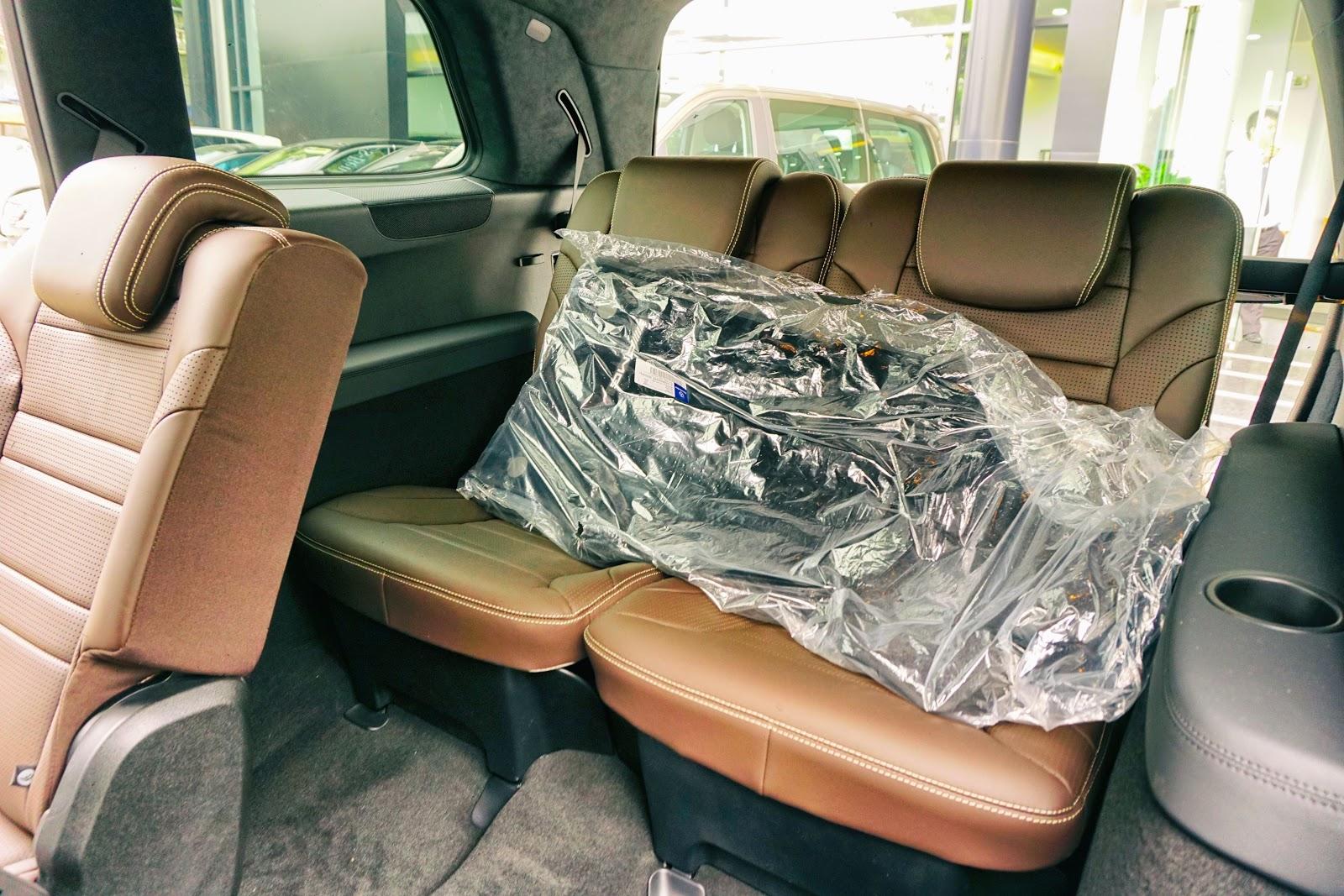 Hàng ghế thứ ba vẫn rất rộng rãi, không chật như các dòng SUV khác