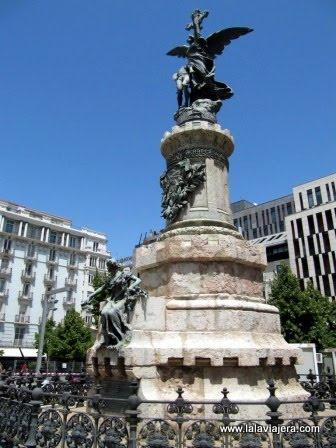 Monumento a los Mártires en la Plaza de España de Zaragoza